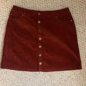 Skirt with buttons front